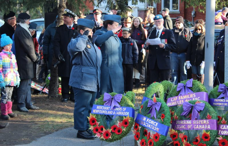 211 Air Cadet Sqn Captain Fortin and WO2 Hatzis laying wreathes at the Westboro Cenotaph